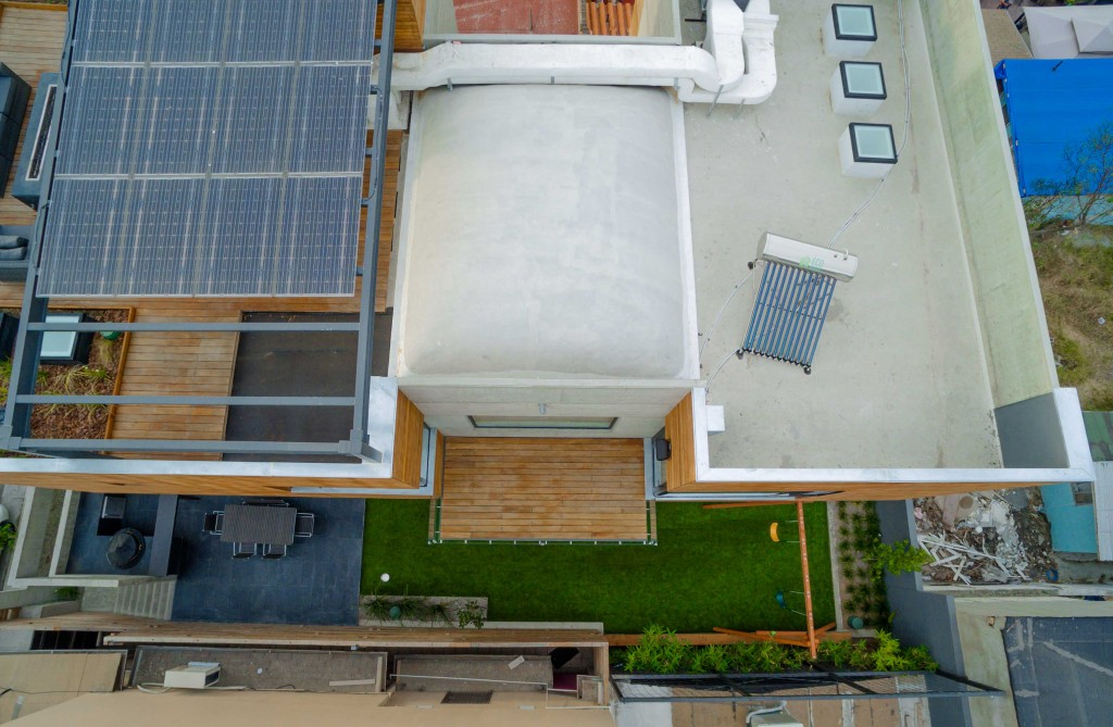 Guillot Arquitectos. Fotografia aérea por Efenueve.